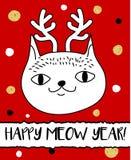 在圣诞节鹿垫铁头饰带的乱画猫 现代明信片,飞行物设计模板 季节性冬天新年贺卡 库存照片