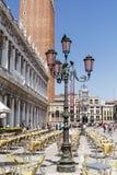 在圣马克广场的咖啡馆,威尼斯,意大利 威尼斯式大阳台 图库摄影
