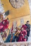在圣马克` s大教堂的垂直的马赛克细节在威尼斯 免版税库存图片