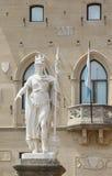 在圣马力诺国家和Governme位子的自由女神像  免版税库存照片