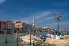 在圣马可广场,威尼斯,意大利的钟楼塔 免版税库存照片