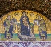 在圣索非亚大教堂的圣母玛丽亚和圣徒象 库存照片