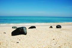 在圣Ives海滩的小卵石 免版税库存图片