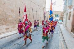 在圣Jonh的骑士的瓜迪亚游行在Birgu,马耳他。 免版税图库摄影
