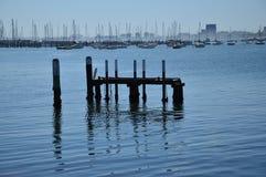 在圣Kilda海滩的跳船 库存照片