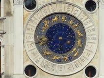 在圣Marco广场的黄道带时钟 免版税库存图片