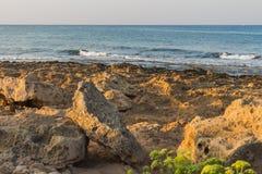 在地中海海岸的日落 免版税库存照片