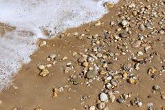 在地中海海岸的石头 免版税库存照片