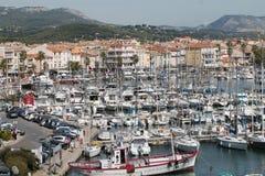 在地中海的岸的8月天在法国 免版税库存照片