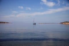 在地中海的帆船 免版税图库摄影