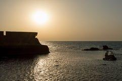 在地中海的日落在英亩,以色列 免版税库存图片