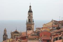 在地中海的欧洲建筑学,芒通法国 库存图片