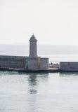在地中海的石防波堤 免版税图库摄影