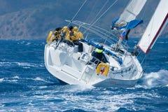在地中海的航行游艇 免版税图库摄影