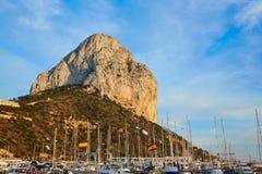 在地中海的Calpe Penon de Ifach岩石 库存图片