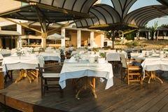 在地中海,帕福斯,塞浦路斯的餐馆 免版税库存图片