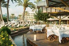 在地中海,帕福斯,塞浦路斯的餐馆 免版税图库摄影