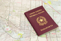 在地图的护照 库存照片