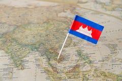 在地图的柬埔寨旗子 库存图片