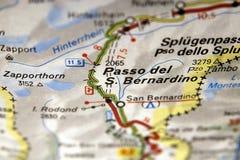 在地图的Passo del圣贝纳迪诺,意大利 库存照片