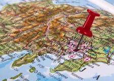 在地图的Pin 免版税图库摄影