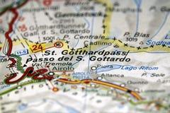 在地图的St Gotthardpass,瑞士 免版税库存照片