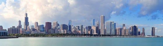 在地平线的芝加哥密执安湖 免版税库存照片