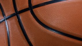 在地板上的篮球 宏观录影射击 影视素材