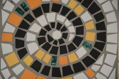 在地板上的马赛克螺旋 免版税库存照片