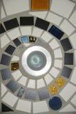 在地板上的马赛克螺旋 免版税库存图片