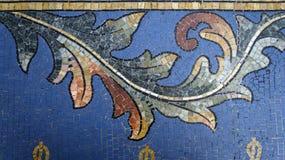 在地板维托里奥・埃曼努埃莱・迪・萨伏伊II画廊的马赛克细节 米兰 意大利 免版税库存图片