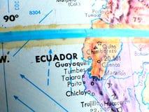在地球地图的厄瓜多尔赤道焦点宏观射击旅行博克、社会媒介、网站横幅和背景的 库存照片