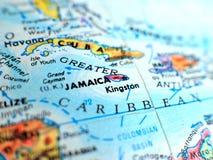 在地球地图的牙买加焦点宏观射击旅行博克、社会媒介、网站横幅和背景的 库存图片