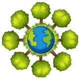 在地球结构树附近 免版税库存照片