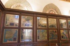 在地理地图的霍尔的绘图汇集在Palazzo Vecchio,佛罗伦萨,托斯卡纳,意大利 免版税库存图片