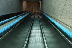 在地铁的自动扶梯 免版税库存图片