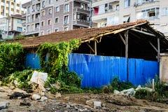 在地震以后的被放弃的大厦 免版税库存图片
