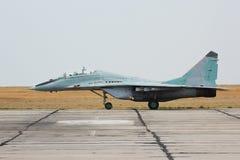 在地面上的俄国作战喷气式歼击机MIG-29 库存照片