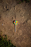 在地面上的糖果 库存照片