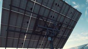 在地面的大太阳电池板列阵 影视素材