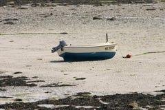 在地面的渔船在衰退期间 库存图片