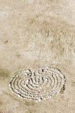 在地面的石迷宫 免版税库存图片