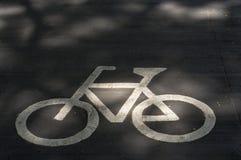 在地面的Bicyle标志 库存图片