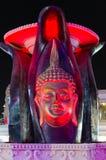 在均匀照明的雕刻的构成在纳马普遍的购物和娱乐区咆哮, Sharm El谢赫,埃及 免版税库存图片