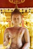 在坐姿的大理石菩萨图象 免版税库存照片