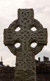 在坟园的凯尔特十字架 库存照片