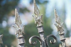 在坟园, Catskills, NY的锻铁篱芭 免版税图库摄影