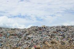 在垃圾填埋的垃圾 免版税库存图片
