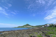 在垦丁国家公园的海洋和蓝天视图,台湾 免版税图库摄影