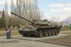 在垫座的坦克 库存照片